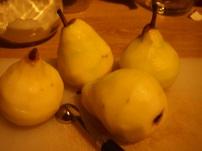 Poires pelées citronnées
