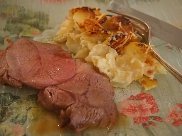 Gigot d'agneau et gratin de pommes de terre